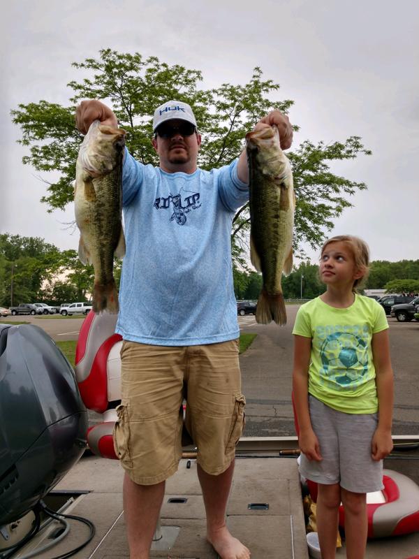 A photo of Arlen Raber's catch