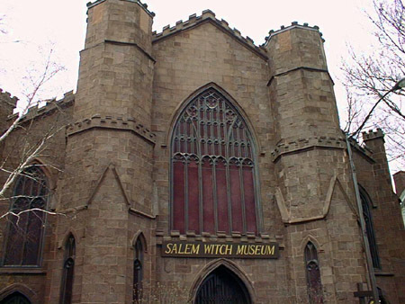 what was the hierarchy of the salem family and town