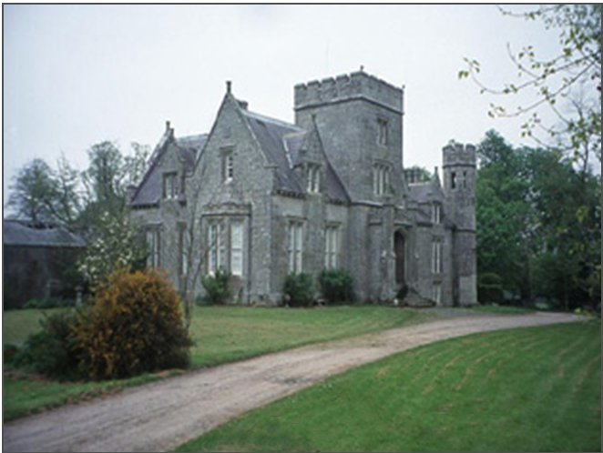 https://s3.amazonaws.com/photos.geni.com/p13/82/33/33/a7/5344483e93c73fd2/castletown_house_original.jpg