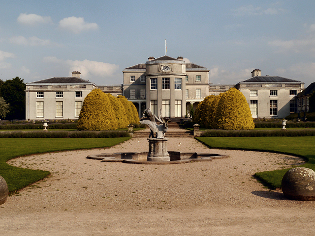 //s3.amazonaws.com/photos.geni.com/p13/a0/21/00/72/5344484923160b25/shugborough_hall_staffordshire_original.jpg