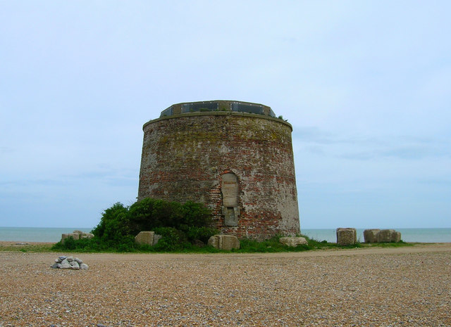 https://s3.amazonaws.com/photos.geni.com/p13/f0/16/0b/3f/5344483f3bf4d913/martello_tower_sovereign_harbour_original.jpg