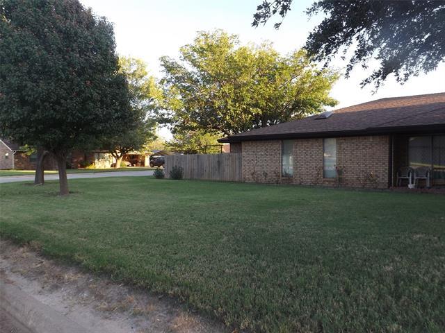 1025 Nw 5th Street, Hamlin, TX 79520