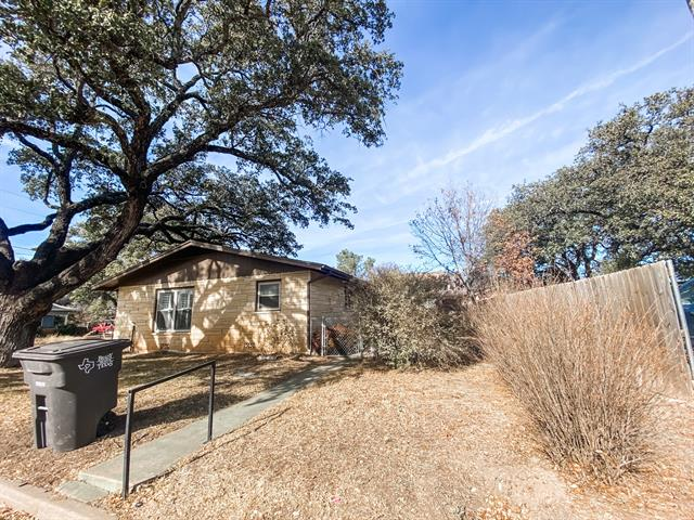 807 S Church Street, Brady, TX 76825