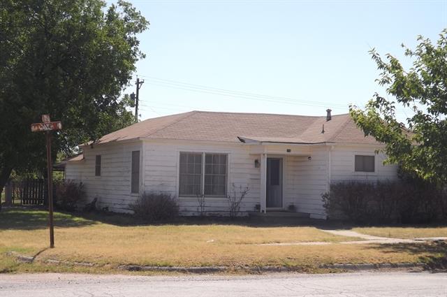 153 Avenue F Nw, Hamlin, TX 79520