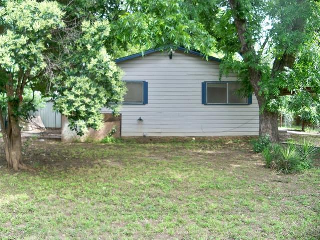 208 E 9th Street, Coleman, TX 76834