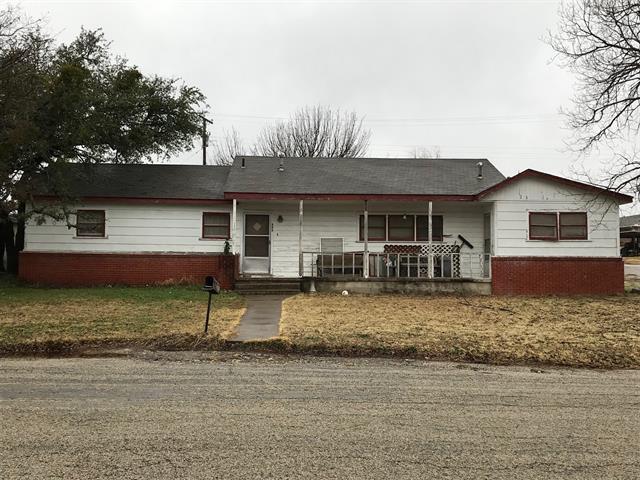 205 Sunset Drive, Comanche, TX 76442