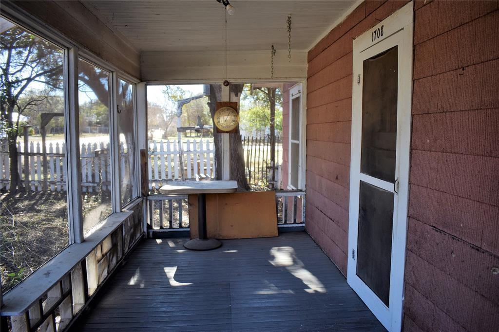 1708 S Pecan Street, Brady, TX 76825