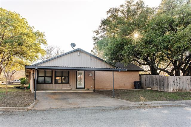 2100 Stanton Street, Brady, TX 76825