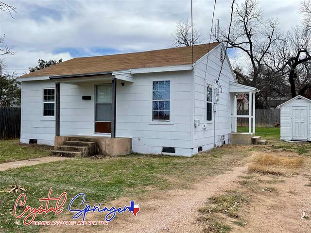 303 W 8th Street, Brady, TX 76825