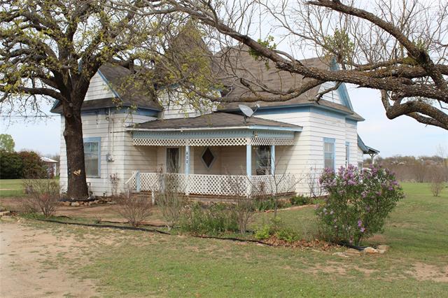 704 S 6th Street, Bangs, TX 76823