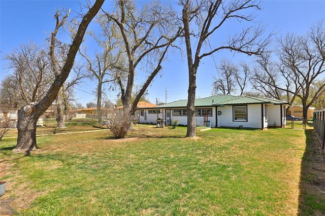 303 Roselane Street, Winters, TX 79567