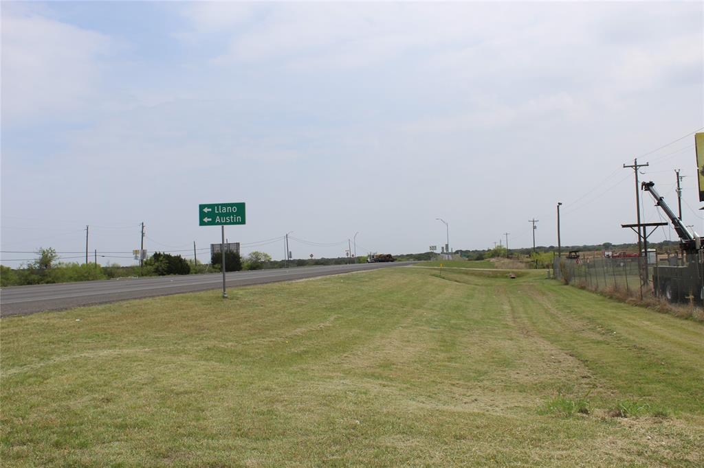 2624 S Bridge Street, Brady, TX 76825