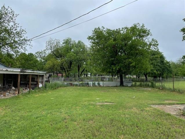 1607 Melwood Avenue, Brownwood, TX 76801