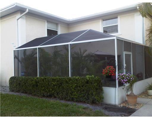 1542 N Lawnwood Circle, Fort Pierce, FL 34950