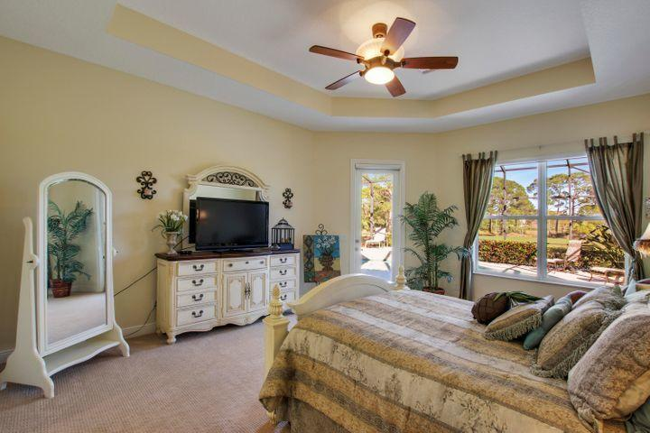 8600 Tompson Point Road, Port Saint Lucie, FL 34986