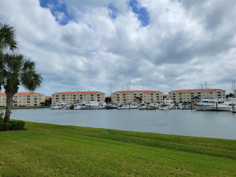 10 Harbour Isle Drive E, Fort Pierce, FL 34949