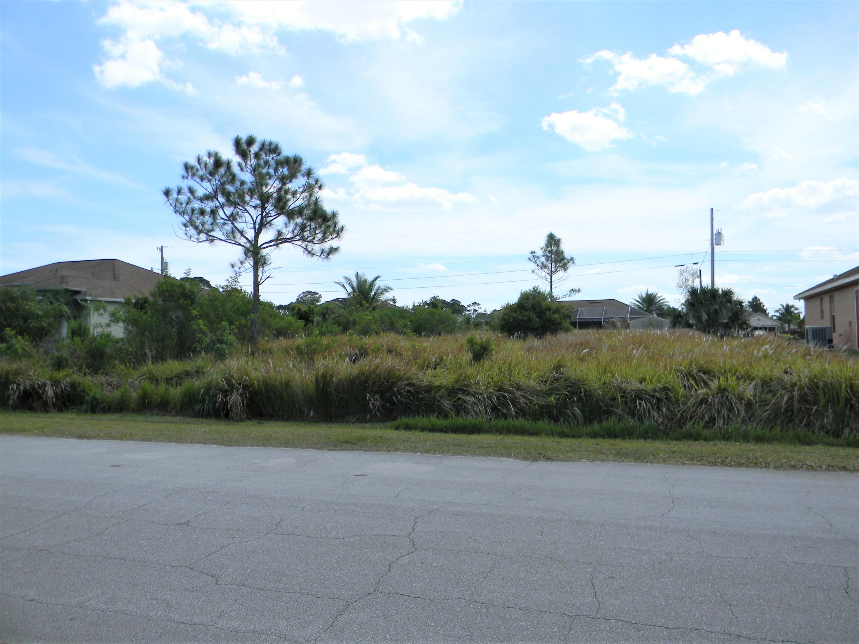 1717 Sw Commargo Street, Port Saint Lucie, FL 34987