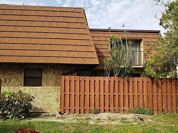 1458 N Lawnwood Circle, Fort Pierce, FL 34950
