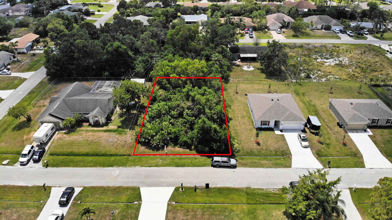 312 Sw Buswell Avenue, Port Saint Lucie, FL 34983