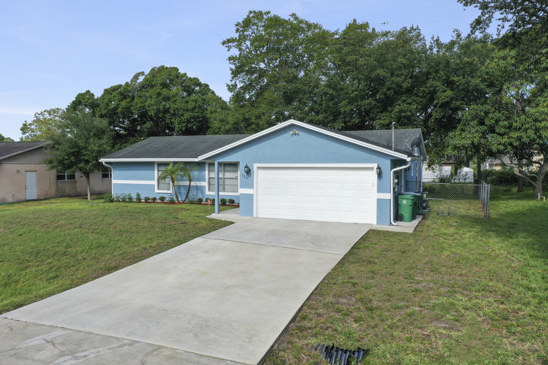 522 Nw Avens Street, Port Saint Lucie, FL 34983