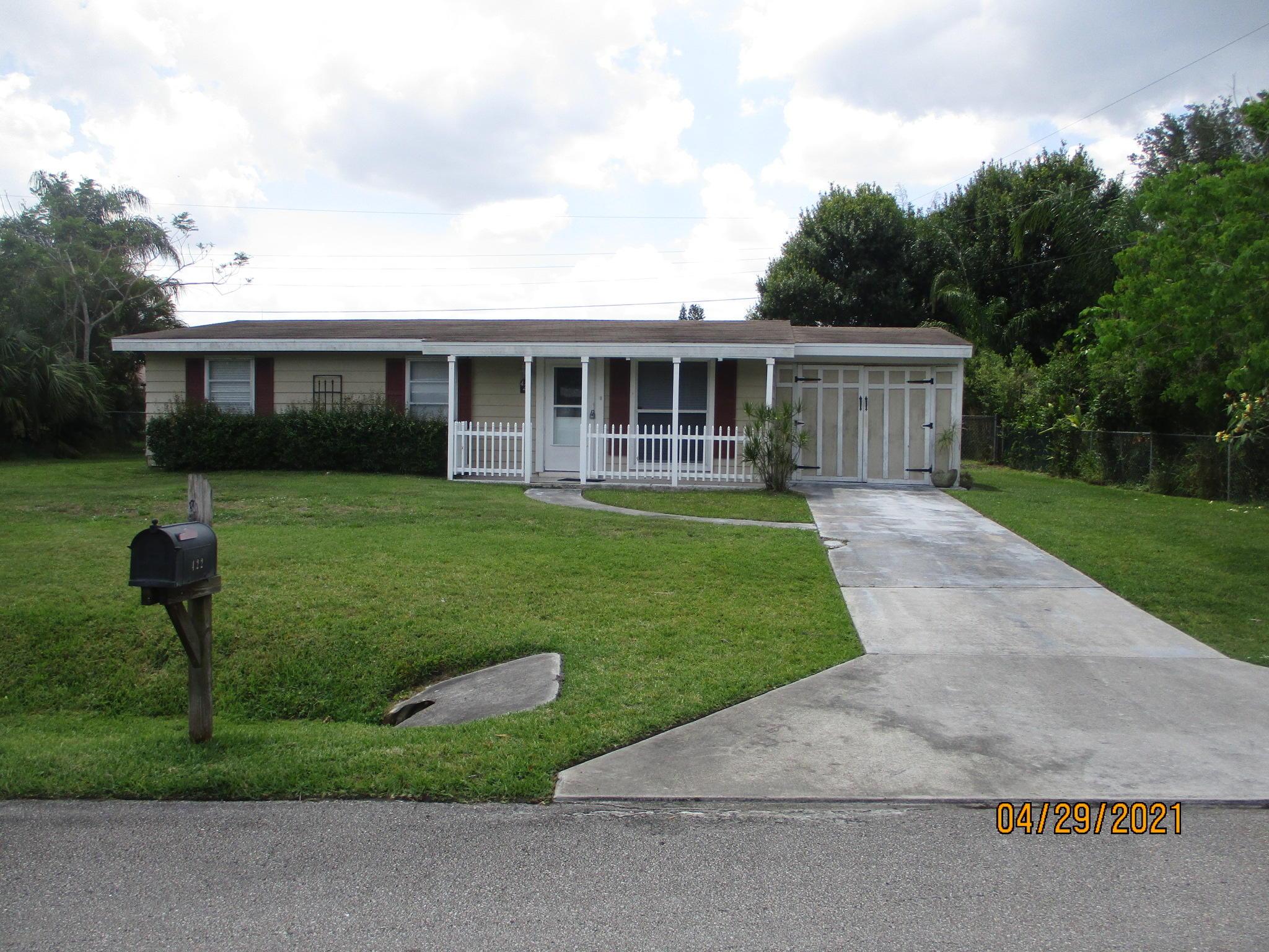 422 E Coconut Avenue, Port Saint Lucie, FL 34952