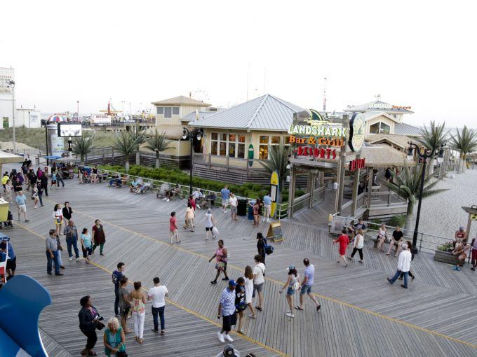 Resorts, Casino, LandShark, Margaritaville, Restaurant, Bar, Entertainment, Drinks, Fun, Hotel, Boardwalk