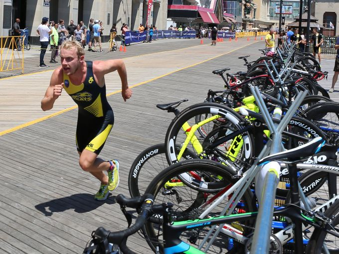 Atlantic City, Major League Triathlon, Boardwalk, beach, swim, bike, run, athletes, triathlon, professional, triathletes,