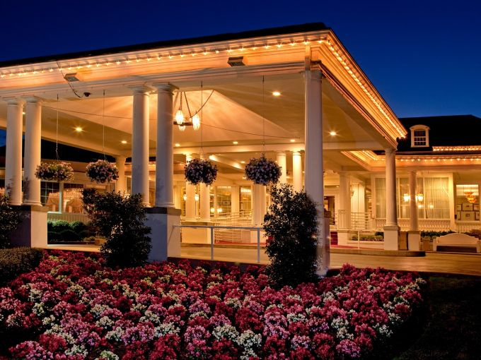 hotel, resort, golf, golf course, spa, getaway, dining, business, retreat, meetings, events, meeting space, restaurants, guest rooms, pool, New Jersey, lobby bar, lounge, weddings
