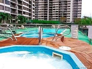 201 Ohua Avenue Waikiki Banyan Condo For Sale - Jacuzzis