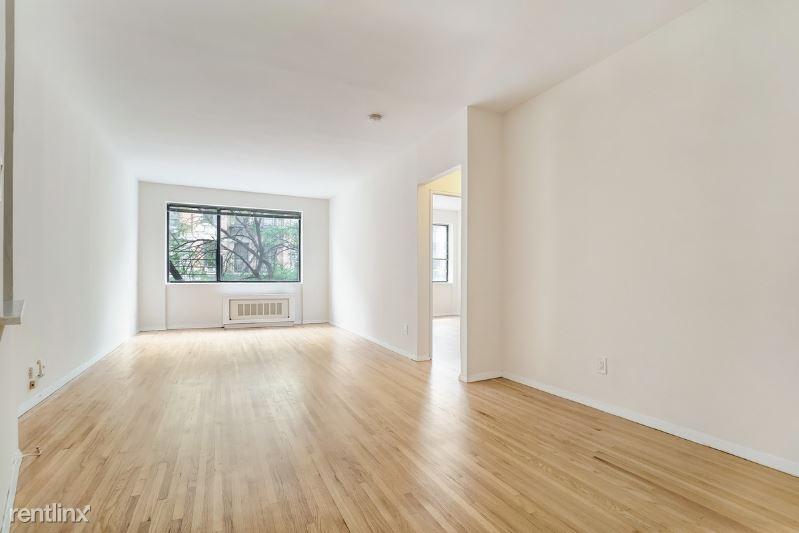 325 W 52 St, New York, NY - $2,085