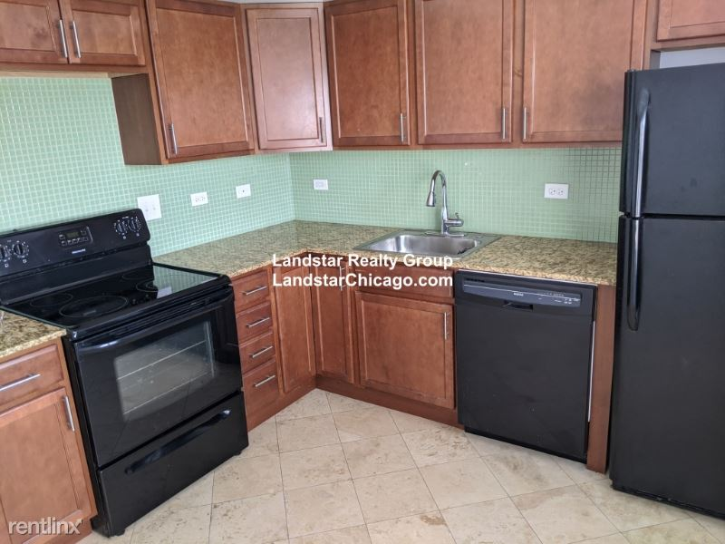 7632.5 North Milwaukee Ave., Niles, IL - $1,300 USD/ month