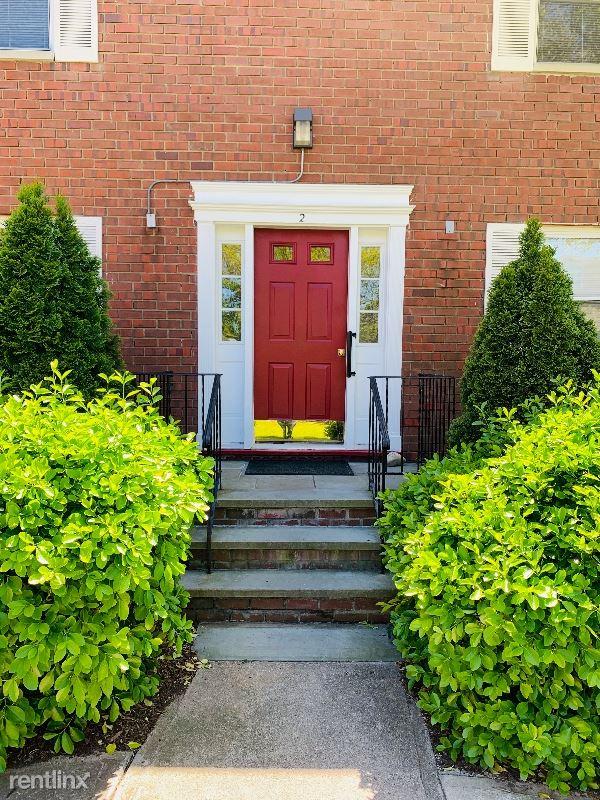 2 Soundview Gardens C, Port Washington, NY - $26,950