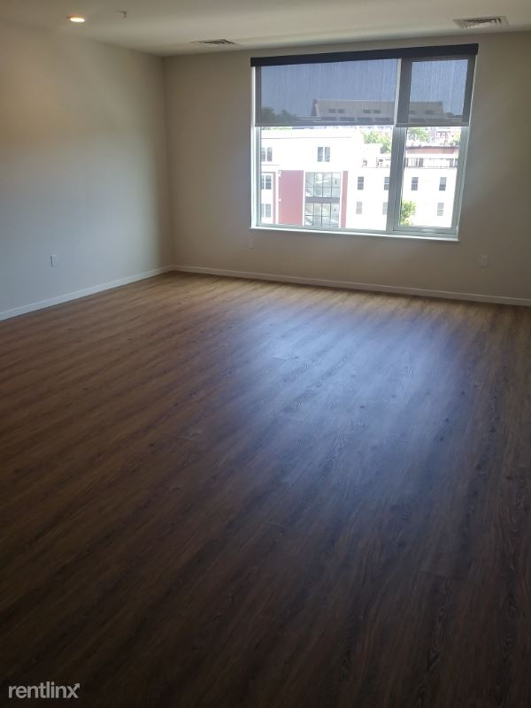 452 Rutherford Ave 533, Charlestown, MA - $2,490