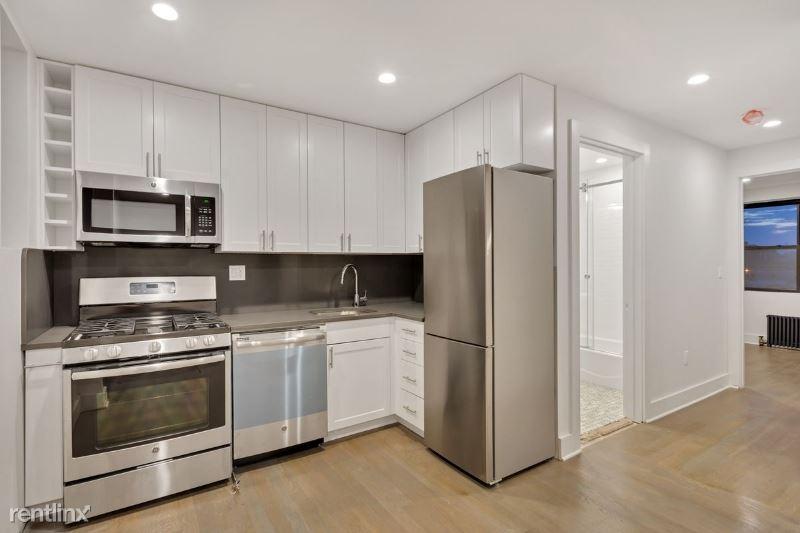 77th Street, Jackson Heights, NY, USA E, East Elmhurst, NY - $2,722