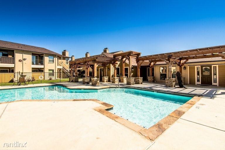 2900 W Baker Rd, Baytown, TX - $1,299