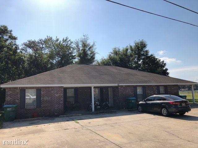610 W Oak Dr Apt 2, Gulfport, MS - $800