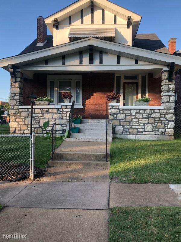 5943 DeGiverville Ave, Saint Louis, MO - $1,800