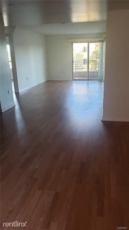 13429 Vanowen St Apt 303, Van Nuys, CA - $2,550