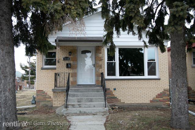 7316 West 62nd Place, Summit Argo, IL - $2,160
