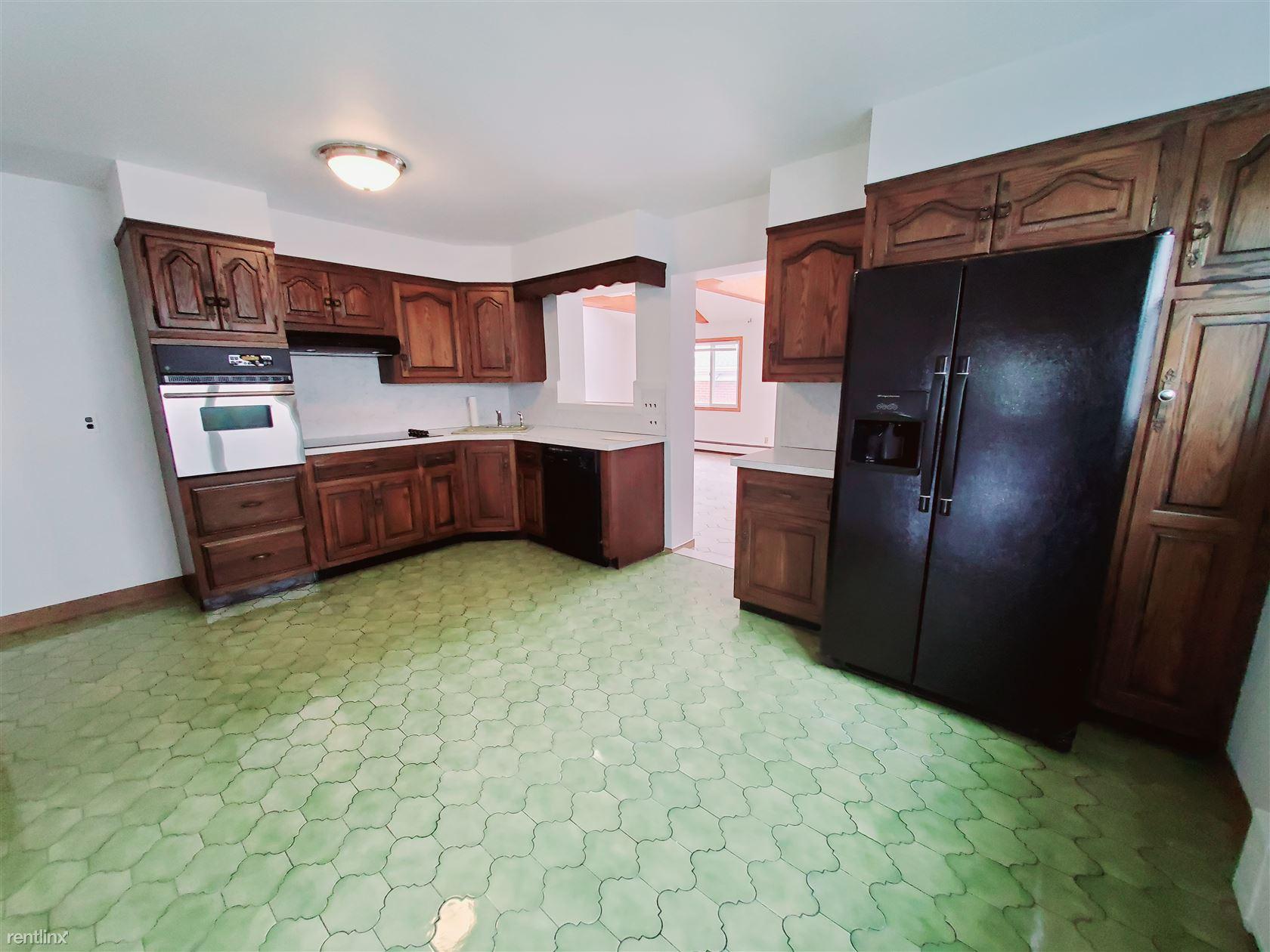 Dora St, Stamford, CT - $2,500