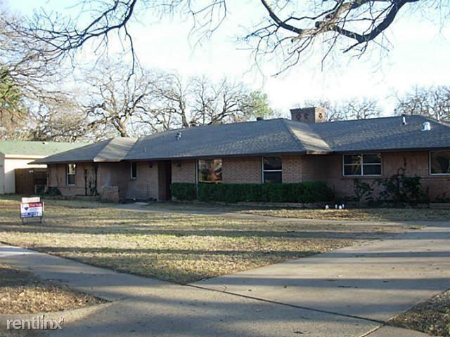 120 Highland Drive E, Irving, TX - $2,795