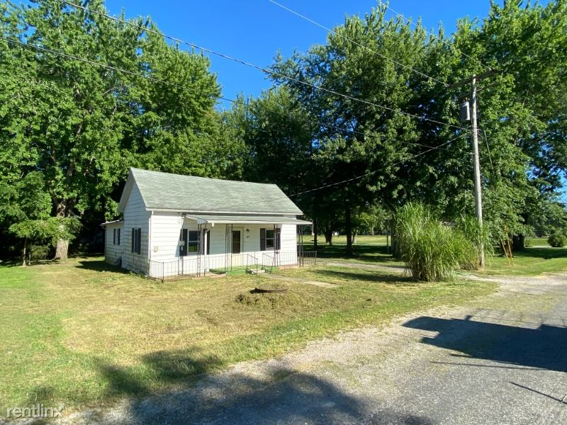 206 S Sixth St., Mulberry Grove, IL - $500