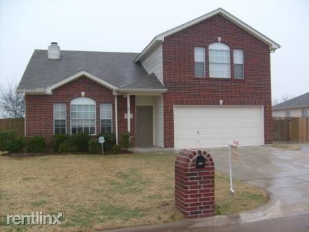 528 E Oak St, Aledo, TX - $1,895