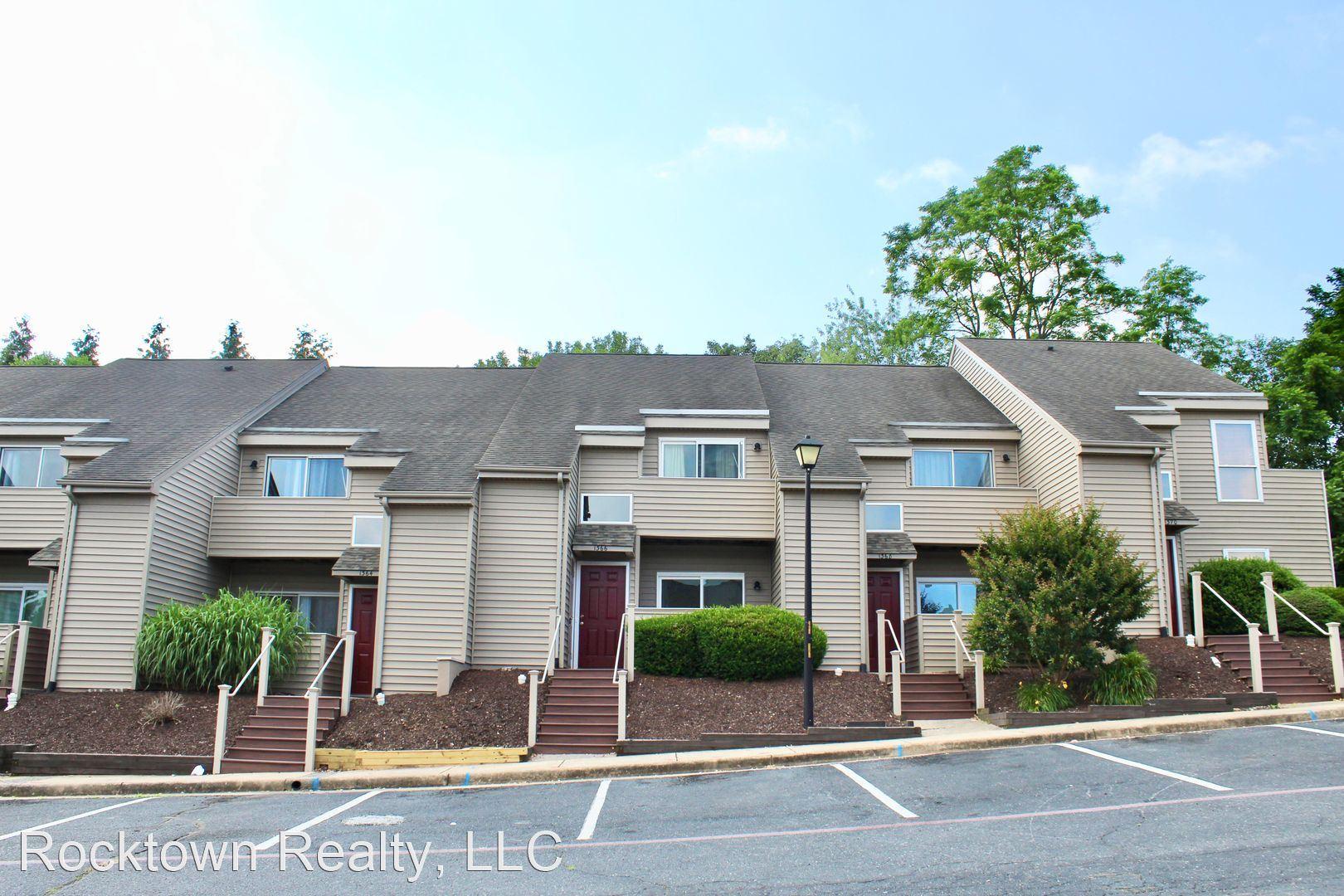 1302 Bradley Drive, Harrisonburg, VA - 405 USD/ month