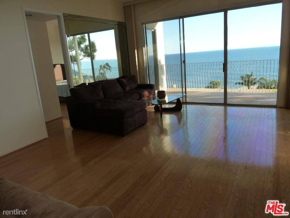 18111 Coastline Dr Apt 2, Malibu, CA - $5,450