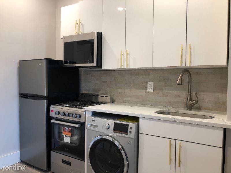 207 Webster Ave 6 - 1375USD / month