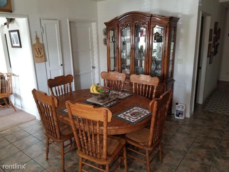 15041 Larkspur St, Sylmar, CA - $2,800