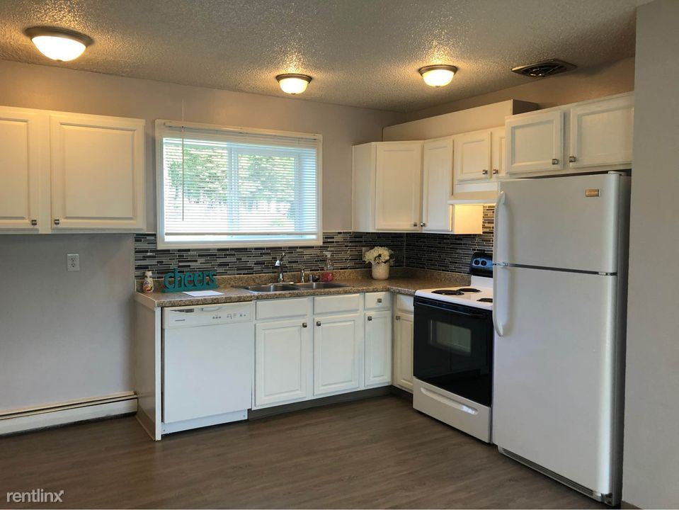 201 Pettis Rd, Anchorage, AK - $1,150