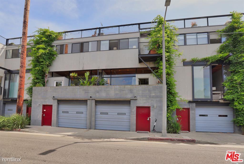 1113 Electric Ave Apt 12, Venice, CA - $7,000