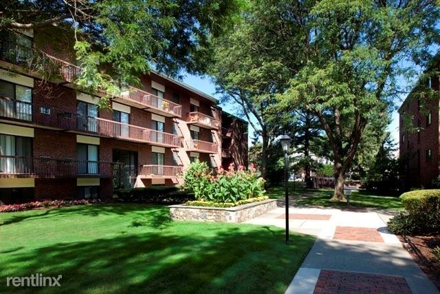 Canton Rd, Quincy, MA - $1,922